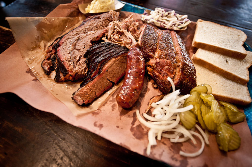 FILLER Franklin Barbecue Good Eats Austin-Local-Travel-Guide-Mike-Puckett-DDM